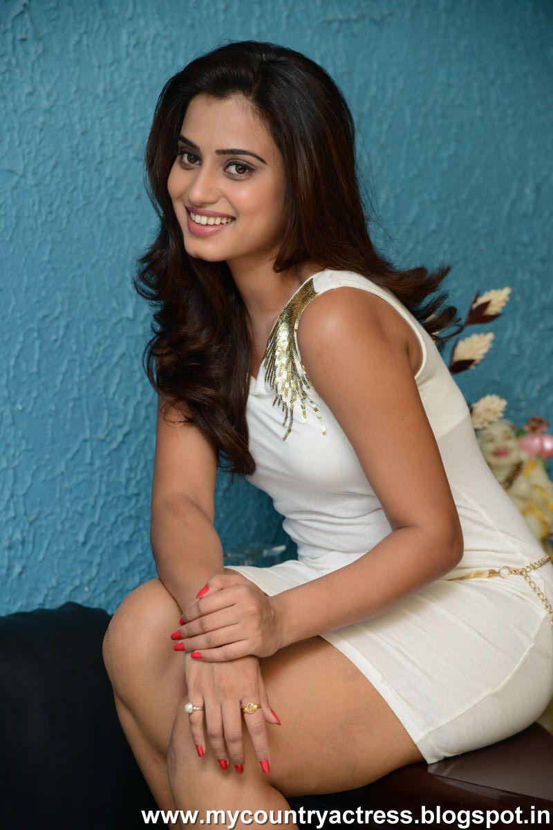 kannada actress subha punja hot and sexy thigh show in beach