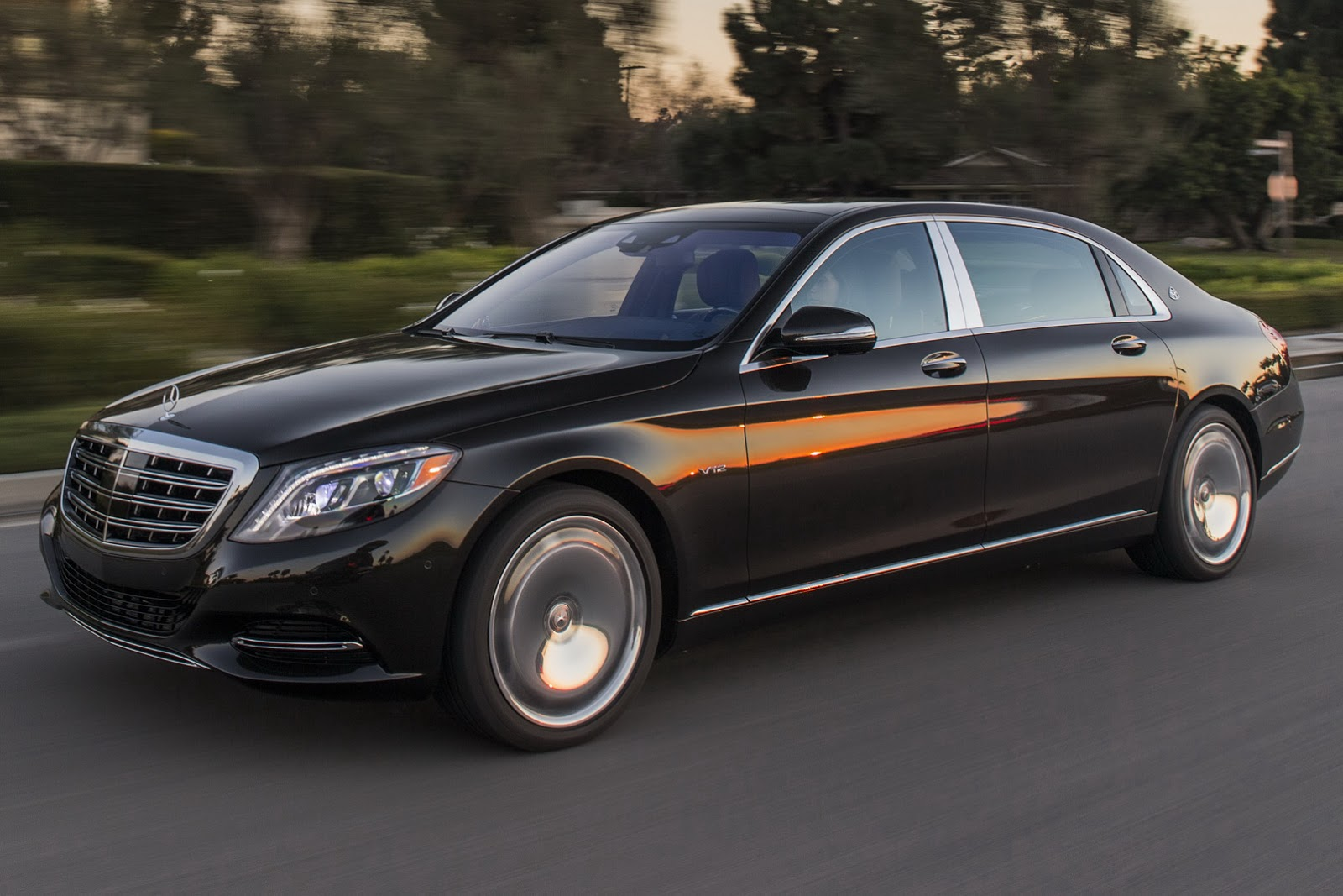 get to know the 2016 mercedes maybach s600 in 57 new photos carscoops. Black Bedroom Furniture Sets. Home Design Ideas