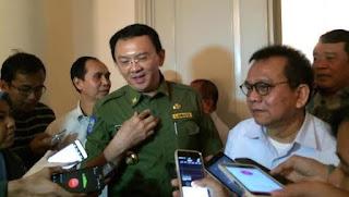 Aksi mogok para supir metromini tidak membuat kebijakan mengandangkan armada yang tidak layak jalan di tarik, Gubernur DKI Jakarta justru balik mengancam