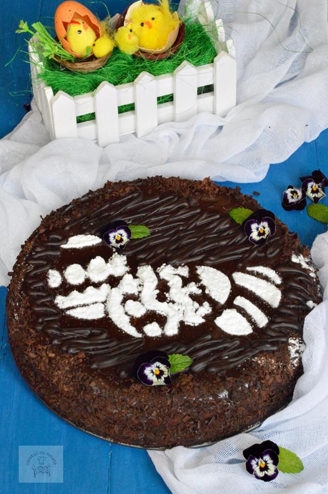 http://www.caietulcuretete.com/2018/04/pasca-cu-ciocolata-fara-aluat.html