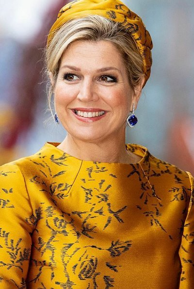 Queen Maxima wore Natan dress. The charity organizations of Holding Nationale Goede Doelen Loterijen NV. solar panels