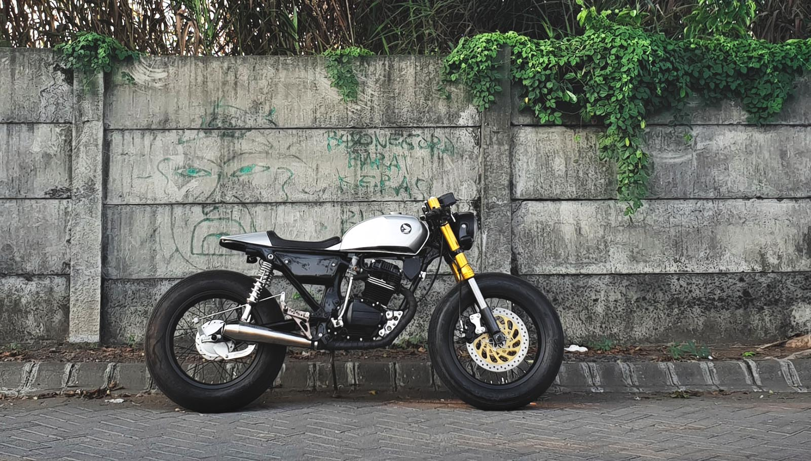 Custom Honda GL 1993 Cafe Racer