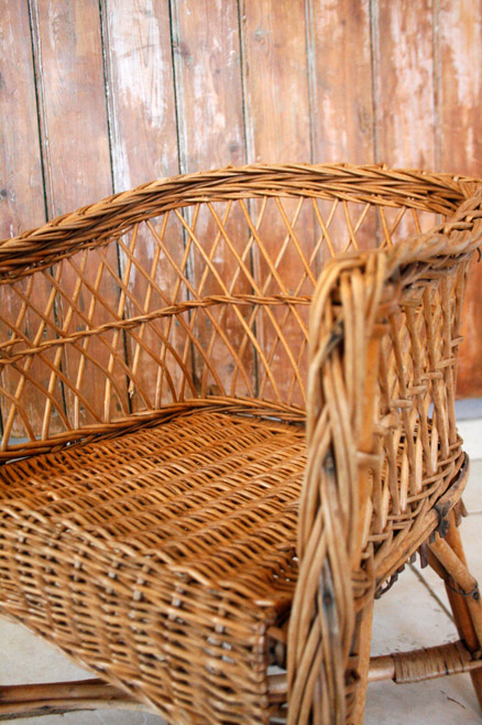 la puce au grenier d coration vintage fauteuil enfant en osier. Black Bedroom Furniture Sets. Home Design Ideas