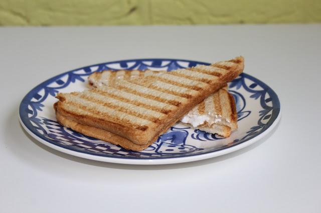 IMG 2183 - Recept: Tosti met Pindakaas, Banaan en Marshmallow Fluff