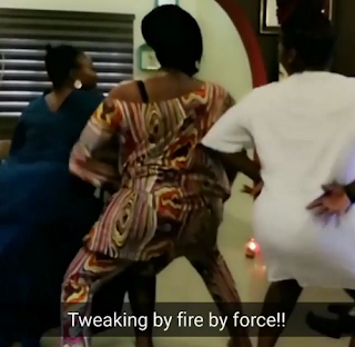 Funny Video: Omawumi And Waje Twerk In New Instagram Video Post