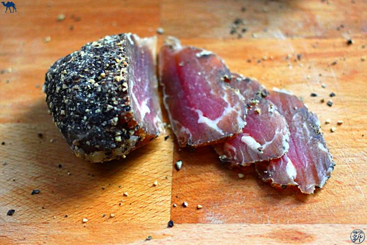 Le Chameau Bleu - Blog Voyage et Cuisine - Faire son propre saucisson - recette saucisson fait maison