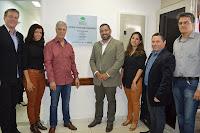 Prefeito Mario Tricano com vice-prefeito Sandro Dias, o secretário de Saúde Julio Cesar Ambrosio e equipe: tratamento odontológico especializado garantido na rede pública