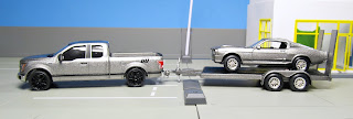 GreenLight Hollywood Hitch & Tow  Gone in 60 Seconds 2015 Ford F-150 eleanor mustang
