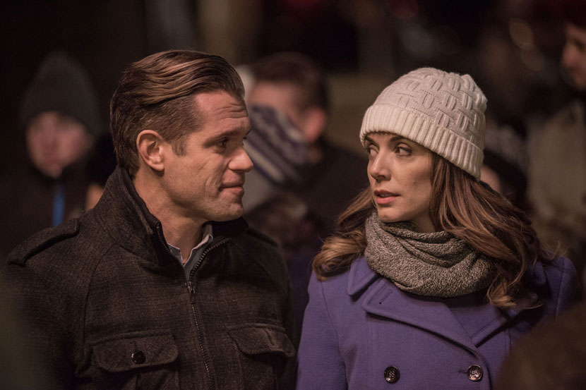 The Rooftop Christmas Tree >> Its A Wonderful Movie Your Guide To Family And Christmas Movies On