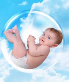 малыш в пузыре как в утробе