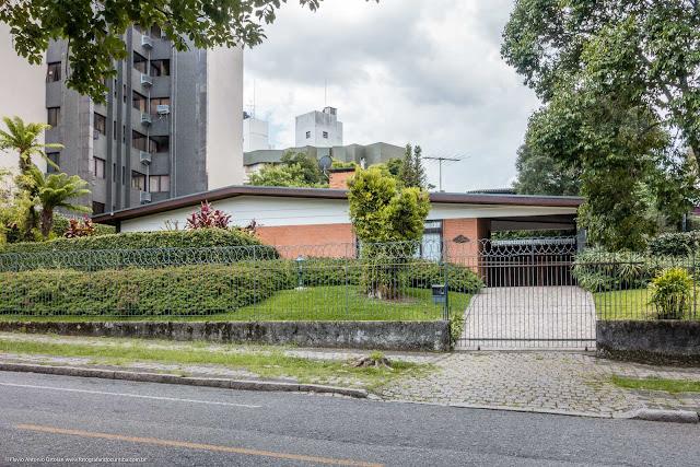 Casa com jardim na Rua da Paz