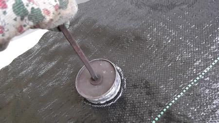 Guida pratica alla pacciamatura dell 39 orto - Telo tessuto non tessuto giardino ...