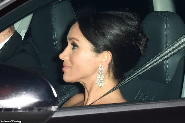 meghan markle, statement earrings, chandelier earrings