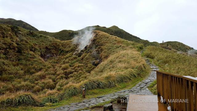 fumaroles yangmingshan