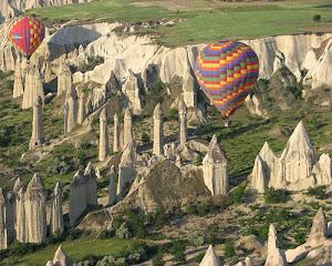 Pemandangan yang dapat dilihat ketika menaiki balon udara