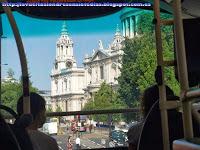 Catedral de St. Paul's desde el autobús de la línea 76