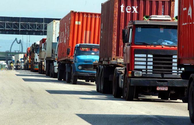 Caminhoneiros denunciam cobrança de propina no Porto de Santos