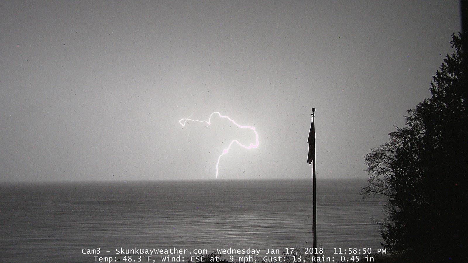 My Blog Verwandt Mit Lightning: Skunk Bay Weather Blog: 2 Lightning Strikes