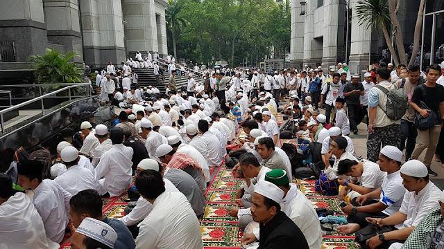 Masjid Istiqlal Menjadi Pusatikpul Pada Dua Demo Aksi Bela