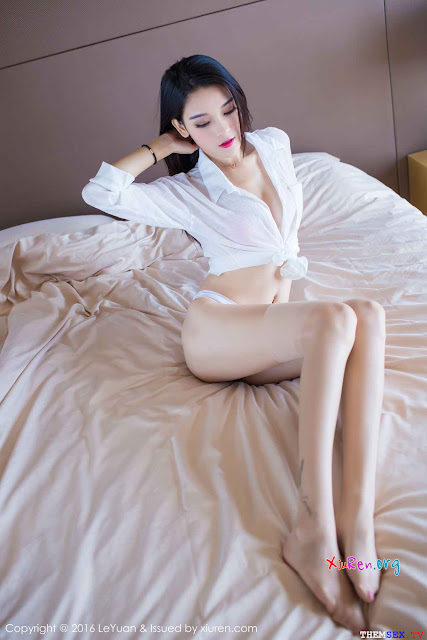 Hình sex em nhân viên ngân hàng khoe vếu