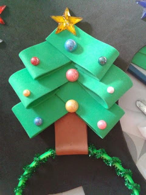 Excelente árbol de Navidad para decorar  tarjetas