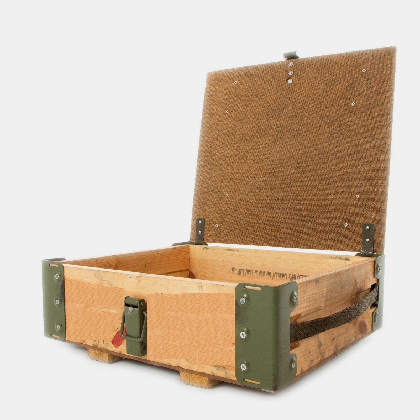 ikea boite de rangement plastique sous lit maison design. Black Bedroom Furniture Sets. Home Design Ideas