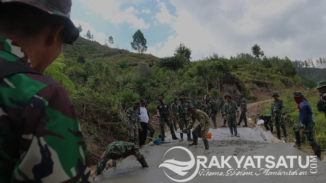 Kerja Tanpa Pamrih, TMMD Toraja Utara Bangun Rabat Beton Sepanjang 1 KM di Karre Limbong