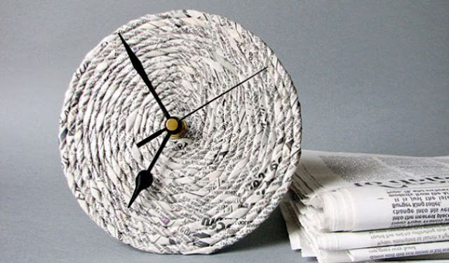 Jam Dinding dari Koran Bekas