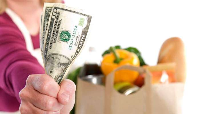 Tips to Save the Cost of Eating When Vacationing Out of Town