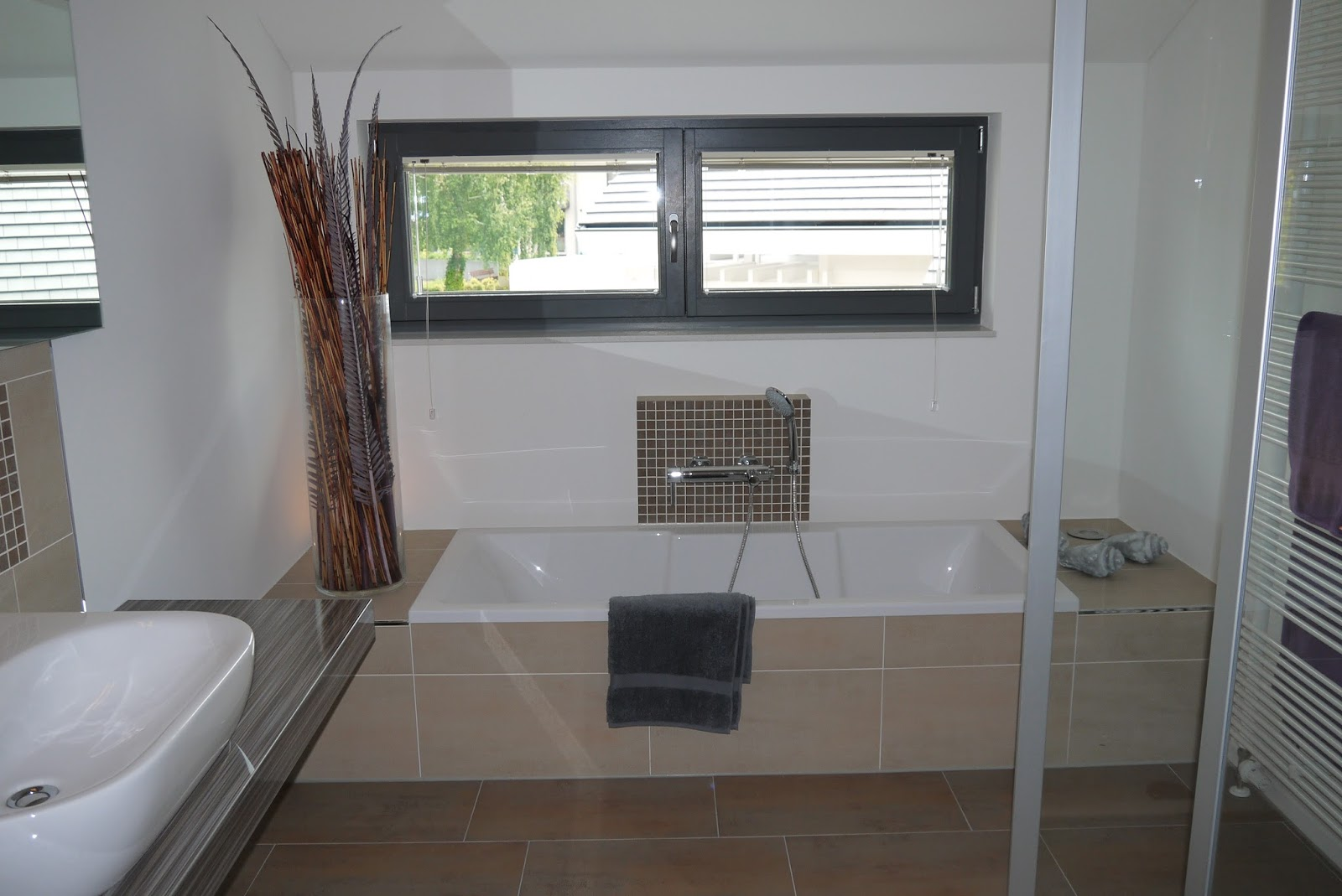 dusche gemauert ohne glas. Black Bedroom Furniture Sets. Home Design Ideas