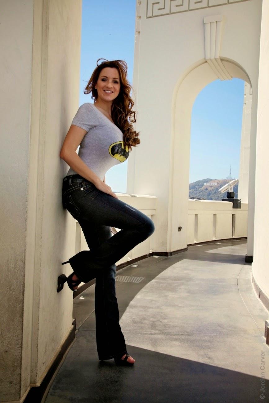 Pokies and Braless Girls: Jordan Carver tight top