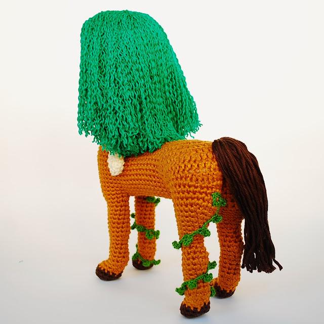 centauro-amigurumi-muñeco-ganchillo-concurso-diseño