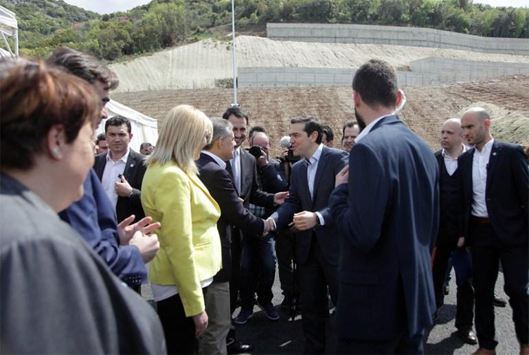 Ο πρωθυπουργός Αλέξης Τσίπρας εγκαινίασε τη Μεγάλη Σήραγγα Τεμπών αλλά και  τις δύο μικρότερες dbbbd675b8e
