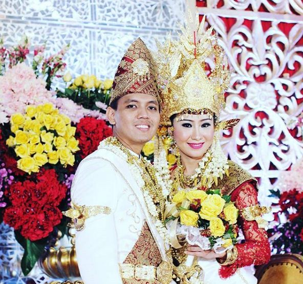 Prosesi Pernikahan Adat Lampung Pepadun Dan Sebatin