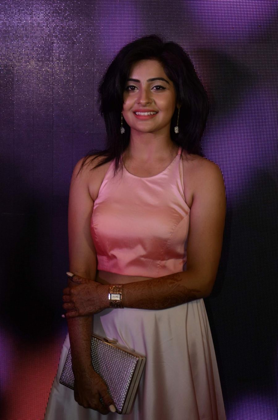 Hindi TV Serial Actress Yukti Kapoor Photos In Pink Dress