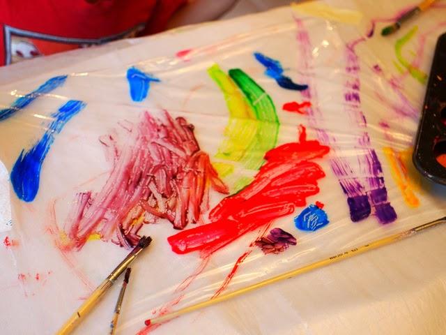 how to make super easy glue sun catcher art with preschoolers