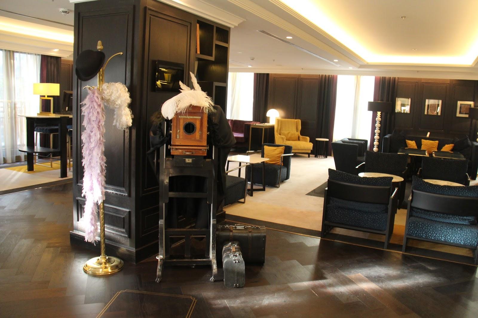 Apaixonados por Viagens Hilton Vienna Plaza Hotel Viena Áustria #A36F28 1600x1066 Acessorios Banheiro Hotel