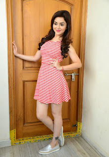 Ragini Nandwani Super Cute Pics in Short Tight Dress WOW