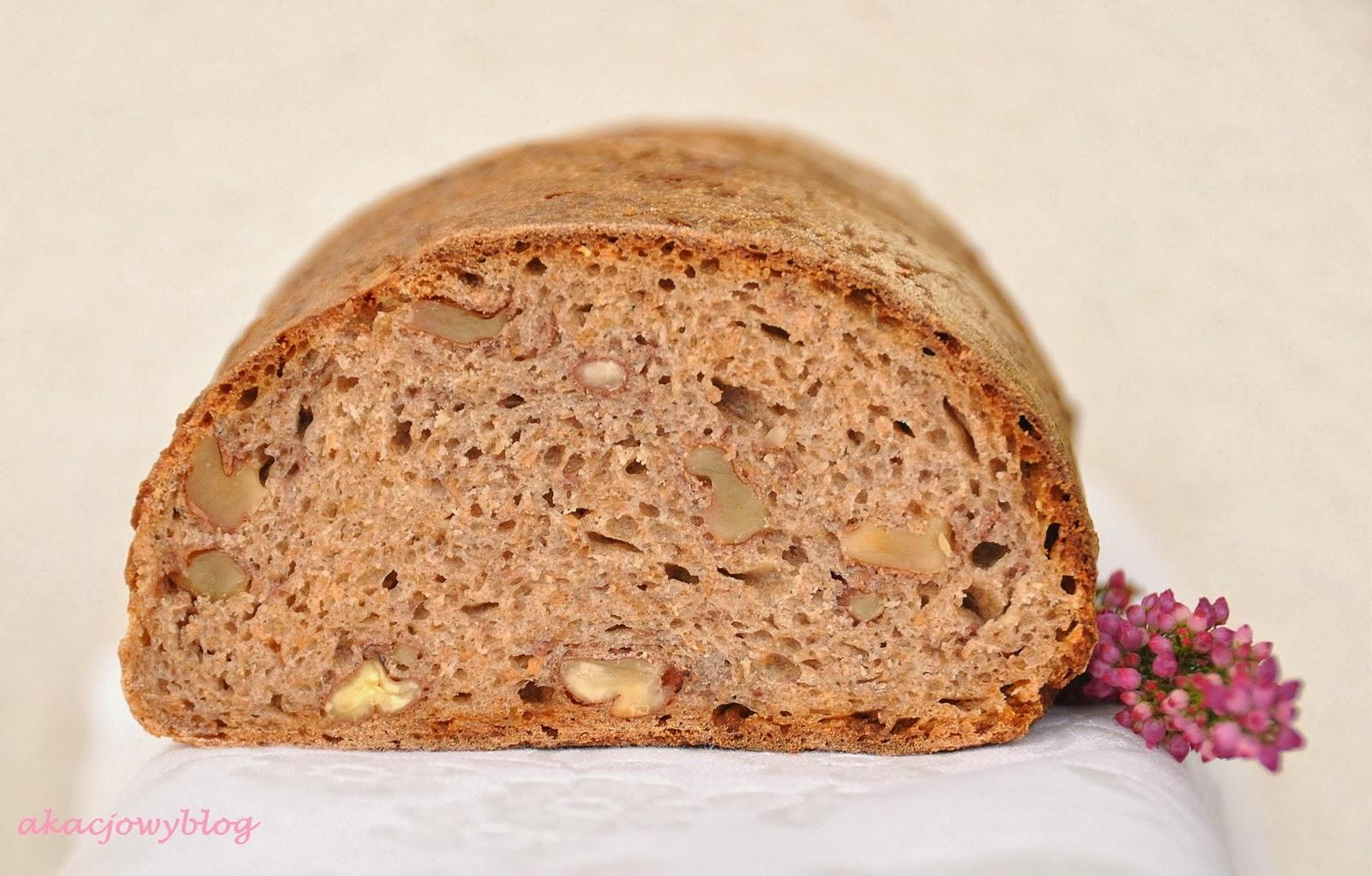 Chleb orzechowy na zakwasie.
