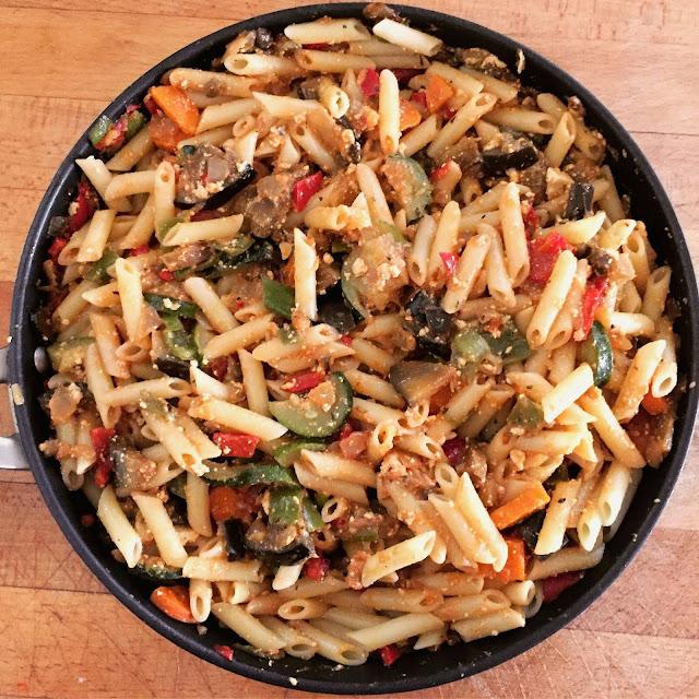 Vegetarian macaroni with tofu&veggies