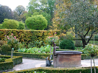 Bauerngarten, Gemüsgarten, Brunnen