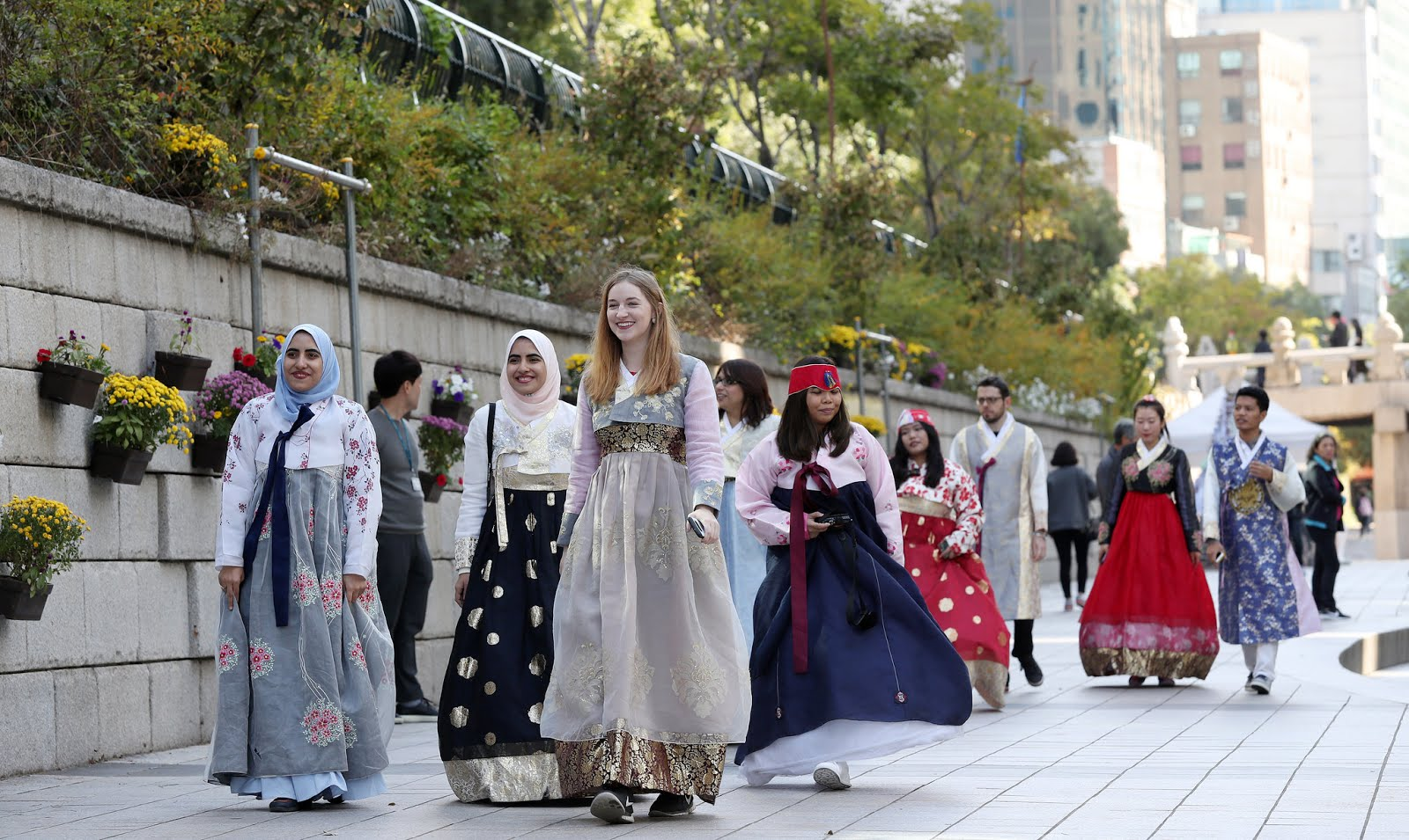 With our hanbok on, we had an awesome experience walking along the famous Cheonggye Stream in downtown Seoul.