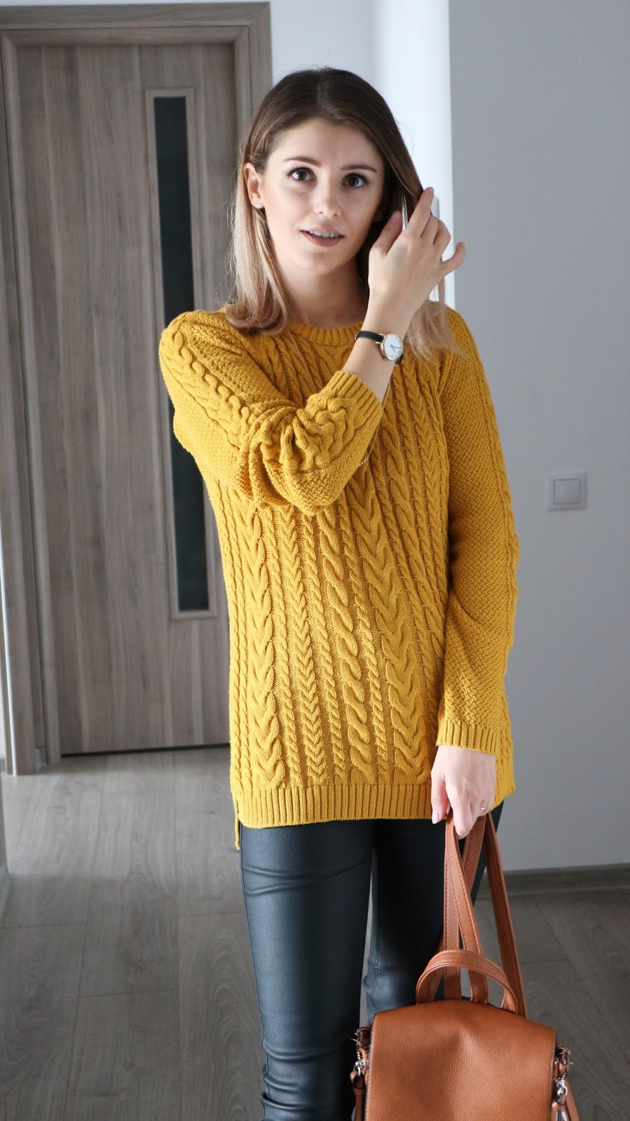 how to wear mustard sweater for autumn