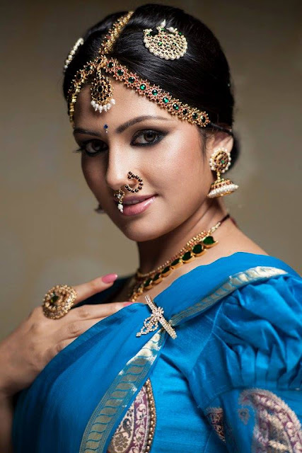 Radhika Kumaraswamy, Ratan kumar, wiki, photos, first husband, latest news, marriage, house, hot, marriage photos, photos marriage, images, family, family photos, wedding photos, divorce, age, facebook, hot photos, movies, daughter, date of birth, hot images