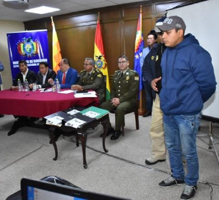 Romero presentó a Casanova el 31 de mayo, luego de haber afirmado que el proyectil fatal salió desde los propios universitarios / ARCHIVO