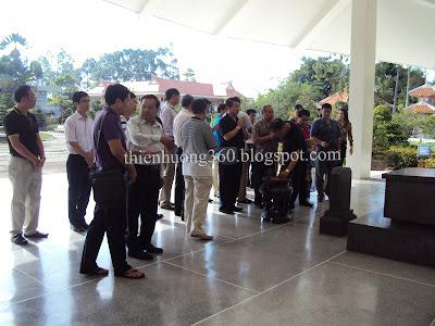Khách viếng thăm Khu lăng mộ Cụ Phó bảng Nguyễn Sinh Sắc