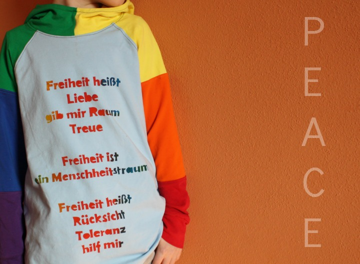 Peace - Freiheit heißt Liebe - am Shirt