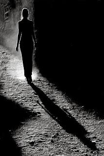 Resultado de imagem para caminhada sombra luz
