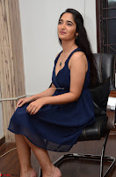 Radhika Mehrotra in a Deep neck Sleeveless Blue Dress at Mirchi Music Awards South 2017 ~  Exclusive Celebrities Galleries 131.jpg