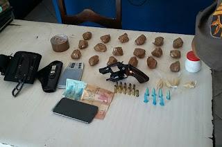 http://vnoticia.com.br/noticia/1369-pm-prende-homem-acusado-de-trafico-de-drogas-em-sfi